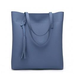 Duża damska torebka shopperka wykonana z miękkiej skóry ekologicznej w kolorze niebieskim. -