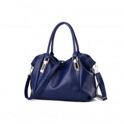 Pojemna klasyczna torebka damska w kolorze niebieskim. -
