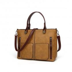 Damska torebka w stylu retro, szyta na miarę każdej okazji. Modny kolor khaki ubarwi Twoją garderobę. -