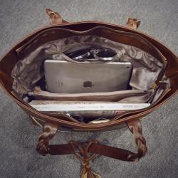 Duża damska torebka mieszcząca A4 i iPad'a w bardzo modnym stylu retrooraz kolorze brązowym. -
