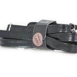 Klasyczny uniwersalny skórzany pasek do torby na ramię w kolorzeczarnym o szerokości 20mm. Pasek na ramię jest szeroki