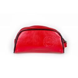 Elegancka skórzana czerwona kosmetyczka damska, która pomieści najważniejsze rzeczy w podróży! Skóra naturalna pozwoli c