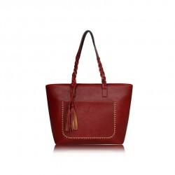 Duża damska torebka mieszcząca A4 i iPad'a w bardzo modnym stylu retrooraz kolorze żywej czerwieni. -