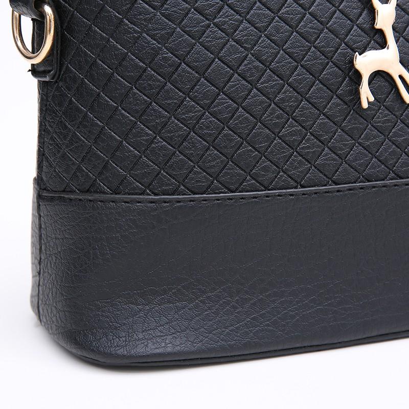 Czarna torebka pik z jelonkiem. -
