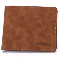 Elegancki i zgrabny płaski skórzany portfel męski. -