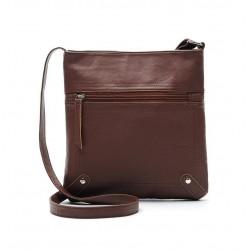 Ciemno brązowaskórzana listonoszka damska z kieszonką z przodu torebki. -