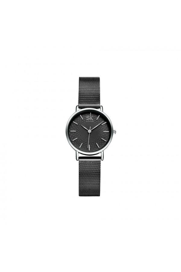 Damski zegarek naczarnej bransolecie typu mesh z czarną stylową tarczą. -