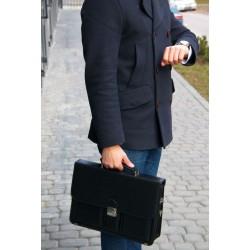 Męska teczka biznesowa na dokumenty ML37 jest świetnym dodatkiem dla dojrzałego mężczyzny. Otwórz wytrzymały klips i włó