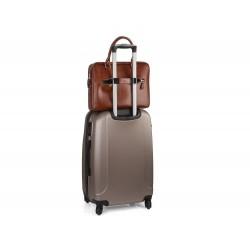 Brązowa skórzana torba na laptop na walizkę SL23 - czyli funkcjonalna torba, którą musisz posiadać. Wykonana z trwałej s