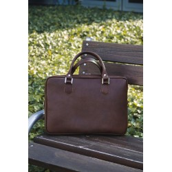 Ekskluzywna skórzana męska brązowa torba SL22 - czyli funkcjonalna torba, którą musisz posiadać. Wykonana z trwałej skór
