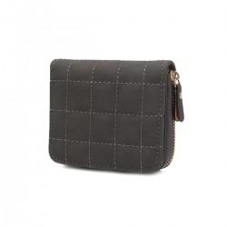 Pikowany mały skórzany portfel damski zamykany na zasuwek -