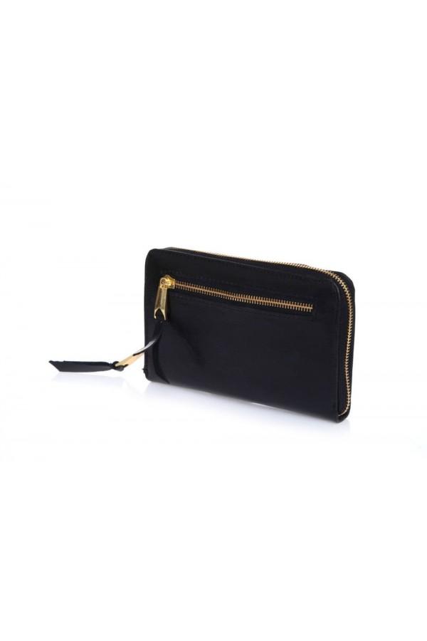 Elegancki skórzany portfel damski czarny P01 to szeroki i pojemny damski skórzany portfel zamykany na zamek. Wygoda w uż