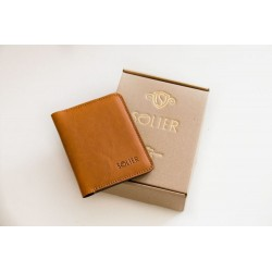 Cienki skórzany portfel męski z miejscem na kartę, banknoty oraz bilon dla eleganckiego mężczyzny 21 wieku. Dzięki niemu