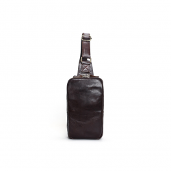 Męski mały plecak na jedno ramie wykonany z skóry naturalnej w kolorze ciemnym brązowym -