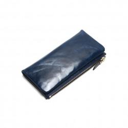 Wykonany z skóry naturalnej wyjątkowy portfel damski w kolorze granatowym -