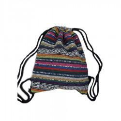 Damski pleciony worek boho na sznurkach to wyjątkowy i unikalny dodatek każdej stylizacji. -