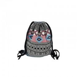 Damski pleciony worek na sznurkach z haftem boho to wyjątkowy i unikalny dodatek każdej stylizacji. -