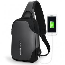 Mały męski plecak - saszetka na ramię w kolorze czarnymi szarym z wygodnym portem USB do ładowania telefonu. Posiada dw