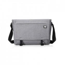 Szara klasyczna torba na laptopa wykonana z wodoodpornego materiału w stylu minimalistycznym. Idealna torba na laptopa o