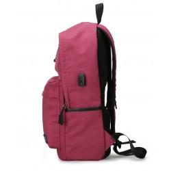 Klasyczny modny i wygodny plecakdamski w kolorzeróżowym wykonany z wytrzymałego wodoodpornego materiału. Plecak jest l