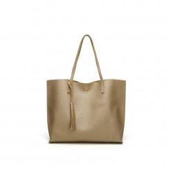 Damska klasyczna shopperka wykonana z skóry ekologicznej w kolorze złotym. -