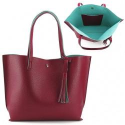 Damska klasyczna shopperka wykonana z skóry ekologicznej w kolorze czerwonym z błękitnym środkiem. -