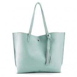 Damska klasyczna shopperka wykonana z skóry ekologicznej w kolorze błękitnym. -