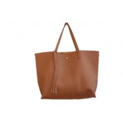 Damska klasyczna shopperka wykonana z skóry ekologicznej w kolorze brązowym. -
